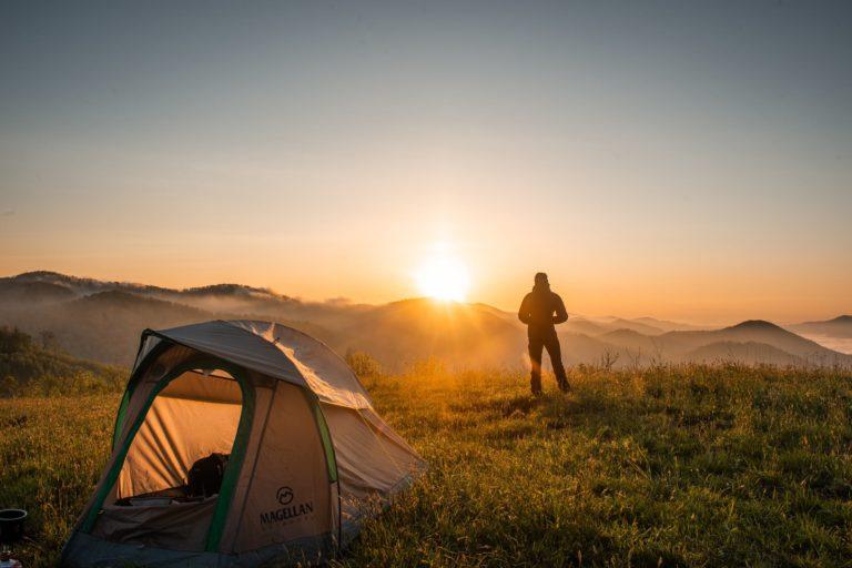 Nomady – Finde und buche den schönsten Platz für dein Campingabenteuer